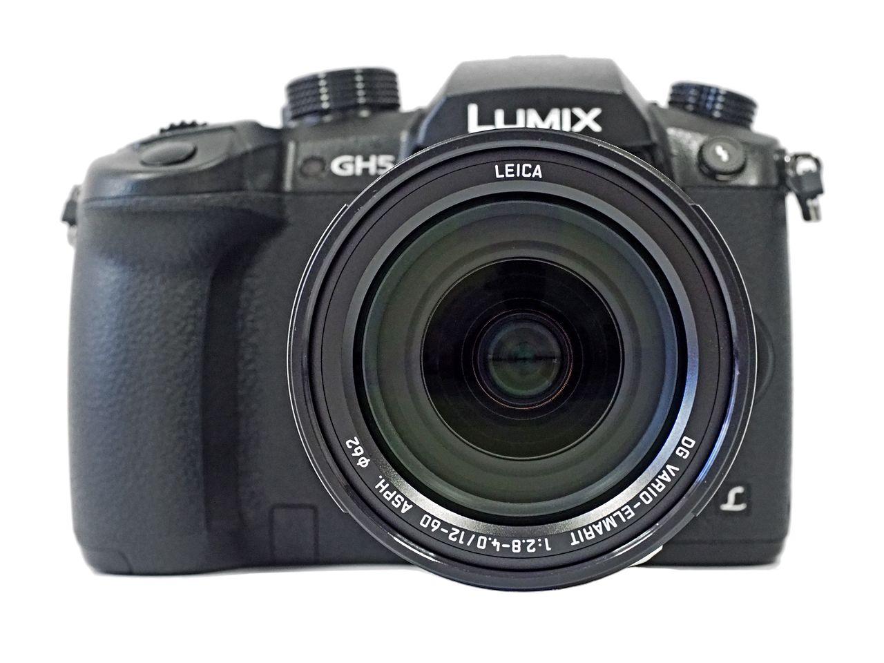Panasonic.Lumix.DC-GH5.Leica.12-60.front_view