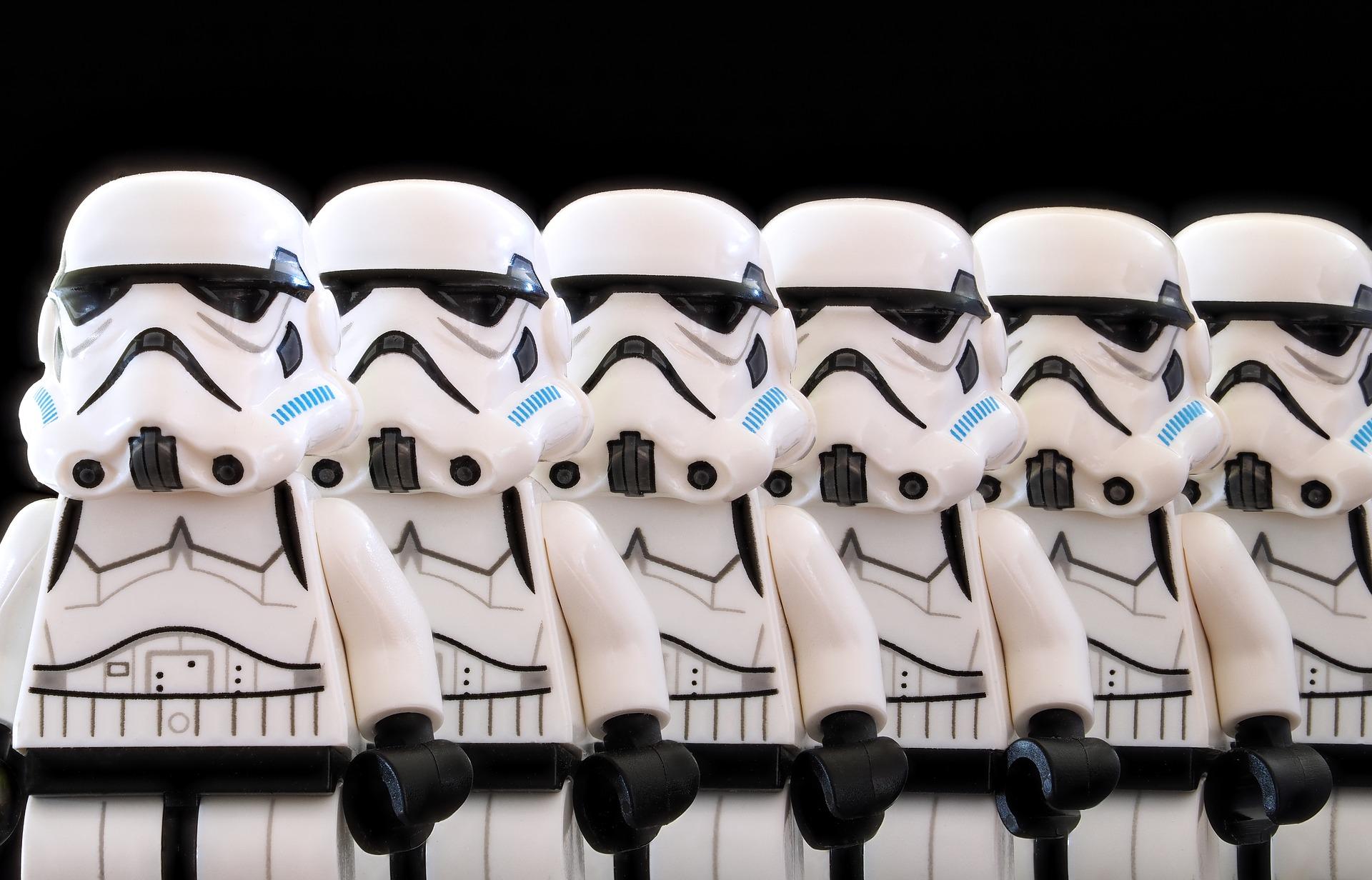 stormtrooper-2899993_1920